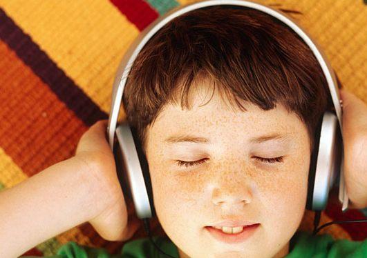 El producto social de los auriculares de los dispositivos móviles