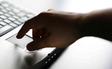 ¿Sabías que las y sanciones rigen dentro y fuera de Internet?