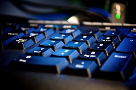 Problemática: Demasiada información en Redes Sociales