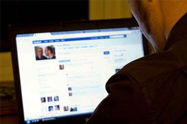 Alguien usurpa mi identidad en Facebook ¿qué hago?