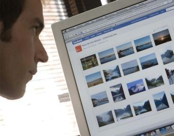 """""""Los niños  y padres no saben cómo configurar la privacidad en Redes Sociales"""""""