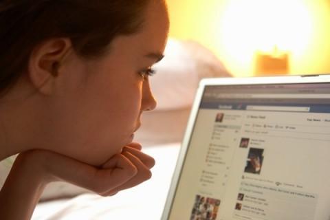 3 de cada 10 jóvenes mienten sobre su identidad en Redes Sociales