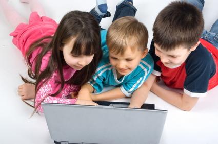 Niños acceden a internet a una edad cada vez más temprana