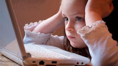 ¿Cuáles son los riesgos en Facebook para los menores?