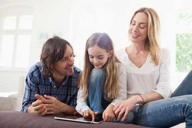 ¿Debemos ser amigos de los hijos en las Redes Sociales?