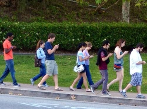 El uso del celular y la mala postura