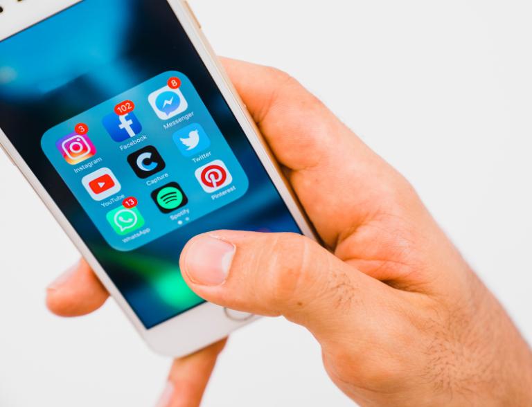¿Cómo eliminar contactos en WhatsApp?